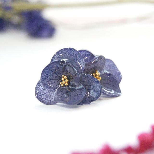 紫陽花の花びらイヤリング