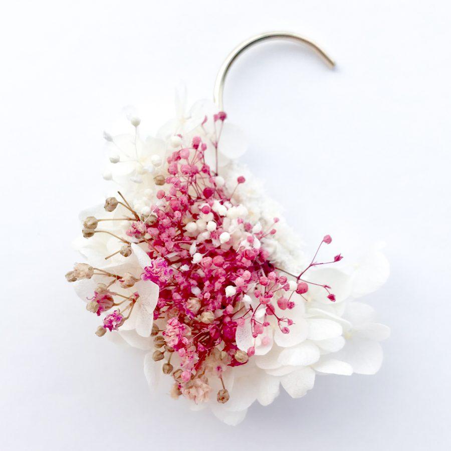 桜色かすみ草イヤーカフ
