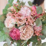 ローズとラナンキュラスのピンクウェディングブーケ (造花)