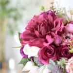 ダリアとカラーのボルドーブーケ (造花)