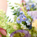 ラナンキュラスとミックスフラワーのカラフルブーケ (造花)