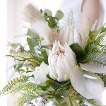 造花のプロテアとアンスリウムのブーケ