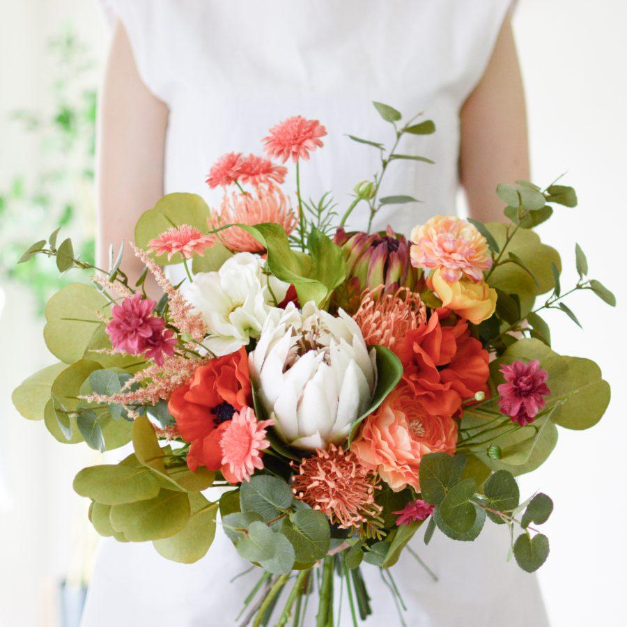 プロテア・アネモネ・ピンクッションのオレンジブーケ (造花)