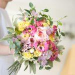 パンジーとローズのピンクロミナブーケ (造花)
